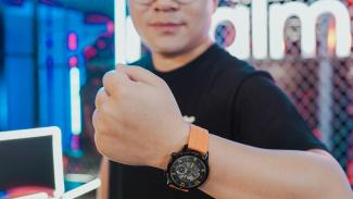 Realme Watch S Pro.