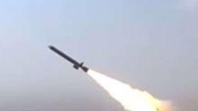 VIVA Militer: Ledakan benda yang diduga rudal di wilayah udara Riyadh