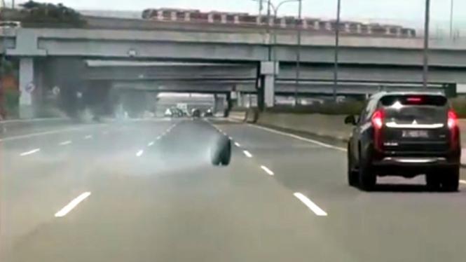 Mitsubishi Pajero Sport nyaris jadi korban ban lepas