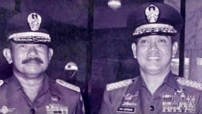 VIVA Militer: Jenderal TNI (Purn.) Try Sutrisno (kanan)