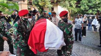 VIVA Militer: Jenazah Jenderal TNI (Purn) Wismoyo Arismunandar