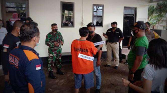 VIVA Militer: Prarekonstruksi penganiayaan Prajurit TNI.