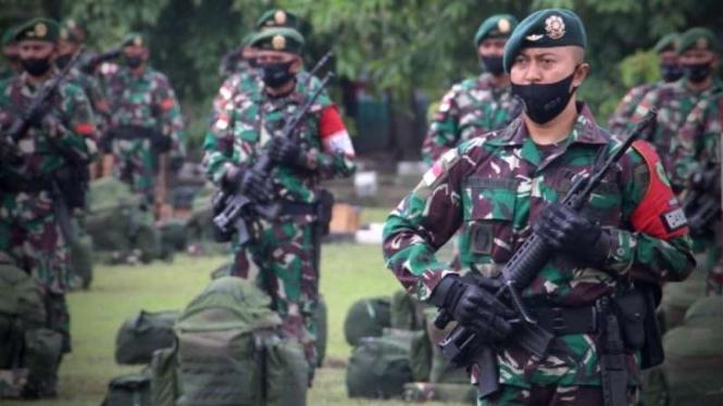 VIVA Militer:  Satgas Pamtas RI-PNG Penyangga Mobile, Yonif Para Raider 501