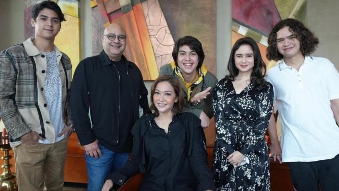 Tissa Biani dan keluarga Maia Estianty