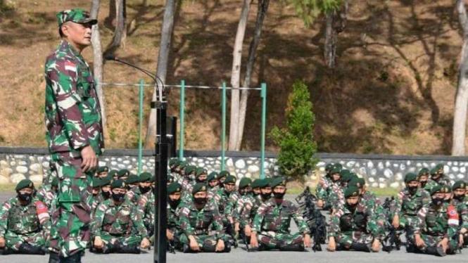 VIVA Militer: Danrem 172/Praja Wira Yakthi (PWY), Brigjen TNI Izak Pangemanan