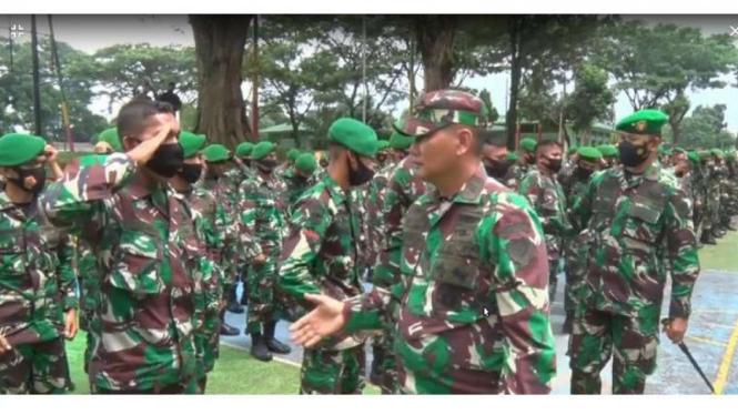 VIVA Militer: Aslad Kasad mengecek kesiapan pasukan Yonif 315/Grd
