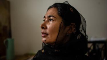 https://thumb.viva.co.id/media/frontend/thumbs3/2021/02/05/601cd6918913f-pemerkosaan-sistematis-disebut-berlangsung-terhadap-tahanan-uighur-di-kamp-kamp-china-tujuan-mereka-menghancurkan-semua-orang_375_211.jpg