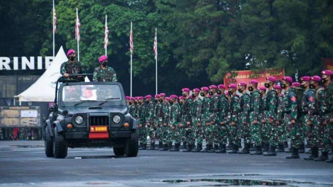 VIVA Militer: Upacara penyambutan Satgas Kemanusiaan Korps Marinir TNI AL