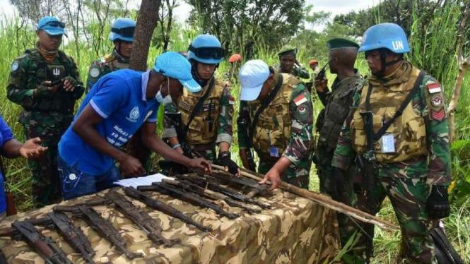 VIVA Militer: Tim LRM Satgas Konga RDB lucuti senjata milisi Kongo
