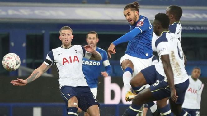 Bomber Everton, Dominic Calvert-Lewin, saat jebol gawang Tottenham Hotspur