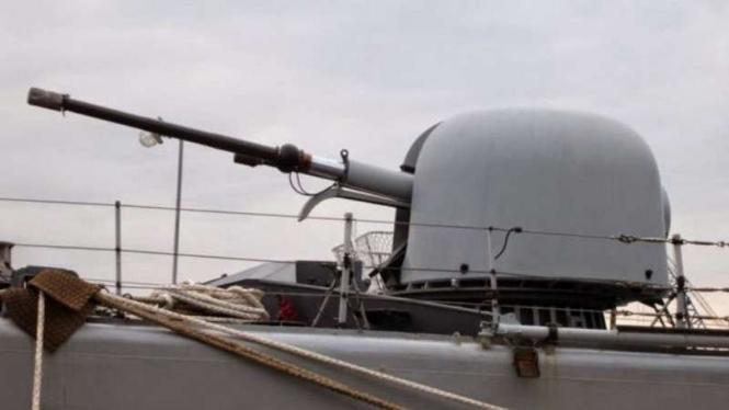 VIVA Militer: Artileri 76mm Otomelara milik TNI AL