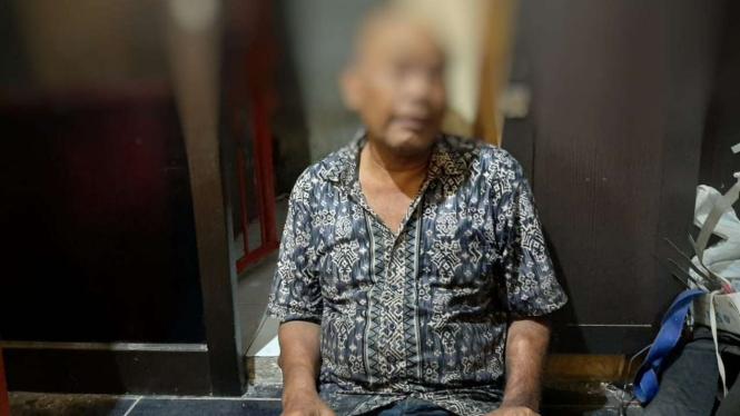 Pria pembakar pemotor di Surabaya