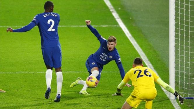 Pertandingan Chelsea vs Newcastle United.