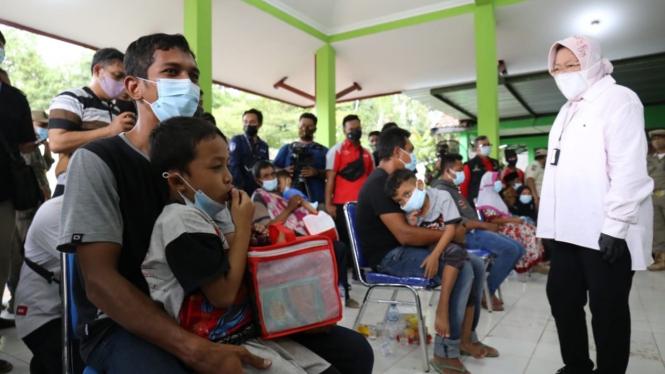 Mensos menemui para pengungsi di Gedung SDN 3 Ngetos