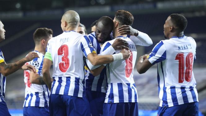 Pemain FC Porto merayakan gol ke gawang Juventus