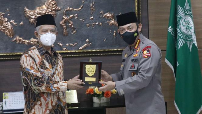 Ketum PP Muhammadiyah Haedar Nashir dan Kapolri Jenderal Listyo Sigit Prabowo