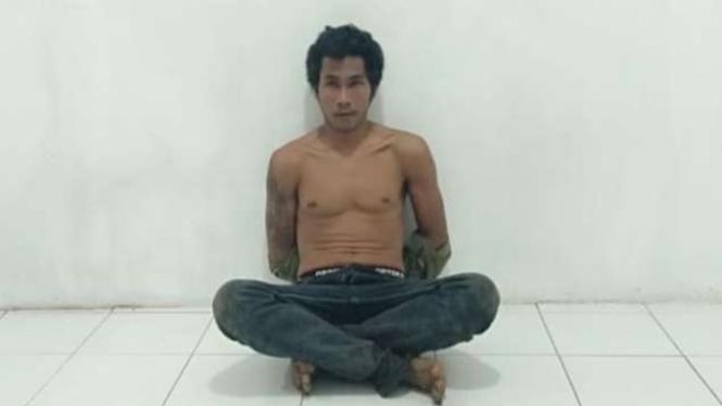 Kamaruddin alias Rudin (30 tahun) diringkus polis karena membunuh Salim Hamada.