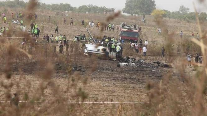 Pesawat Jatuh, 7 Anggota Militer Tewas