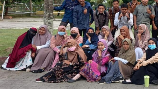 Mahasiswa Manajemen pendidikan Islam, Institut Agama Islam Daar Al uluum Asahan
