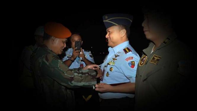VIVA Militer: Kolonel Pnb Imam Handojo saat terima brevet Terjun Bebas Olahraga