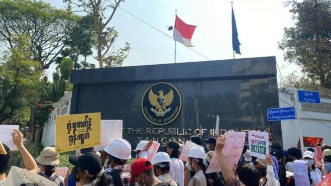 Foto viral Kedubes RI di Myanmar