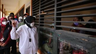 Mensos Risma meninjau lokasi banjir di Bekasi