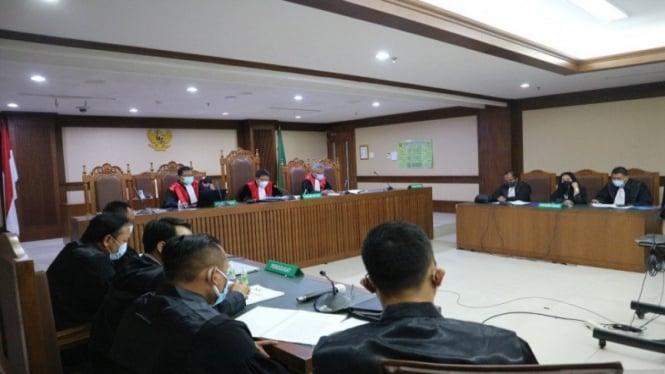 Sidang dakwaan kasus suap dana bansos dengan terdakwa Ardian Iskandar Maddanatja