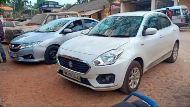 Mobil milik warga di India yang ditahan karena menyalip rombongan menteri.