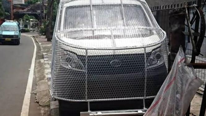 Mobil Esemka Bima dipasangi tameng