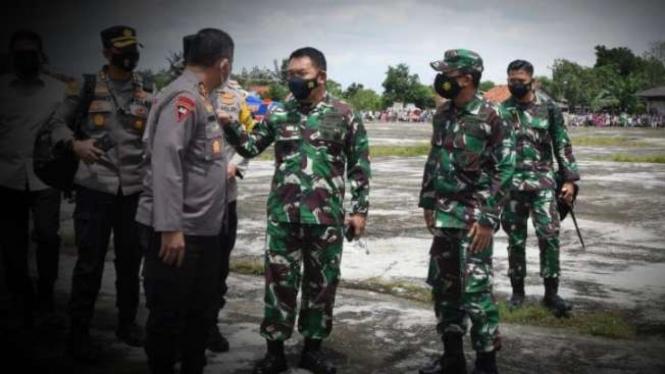 VIVA Militer: Pangdam Jaya dan Kapolda Metro Jaya.