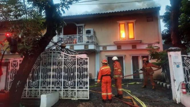 kebakaran di rumah jenderal purnawirawan Firman Ganiq