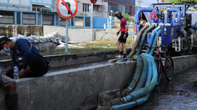 Gubernur Jateng usai gowe sambil cek lokasi pasca banjir