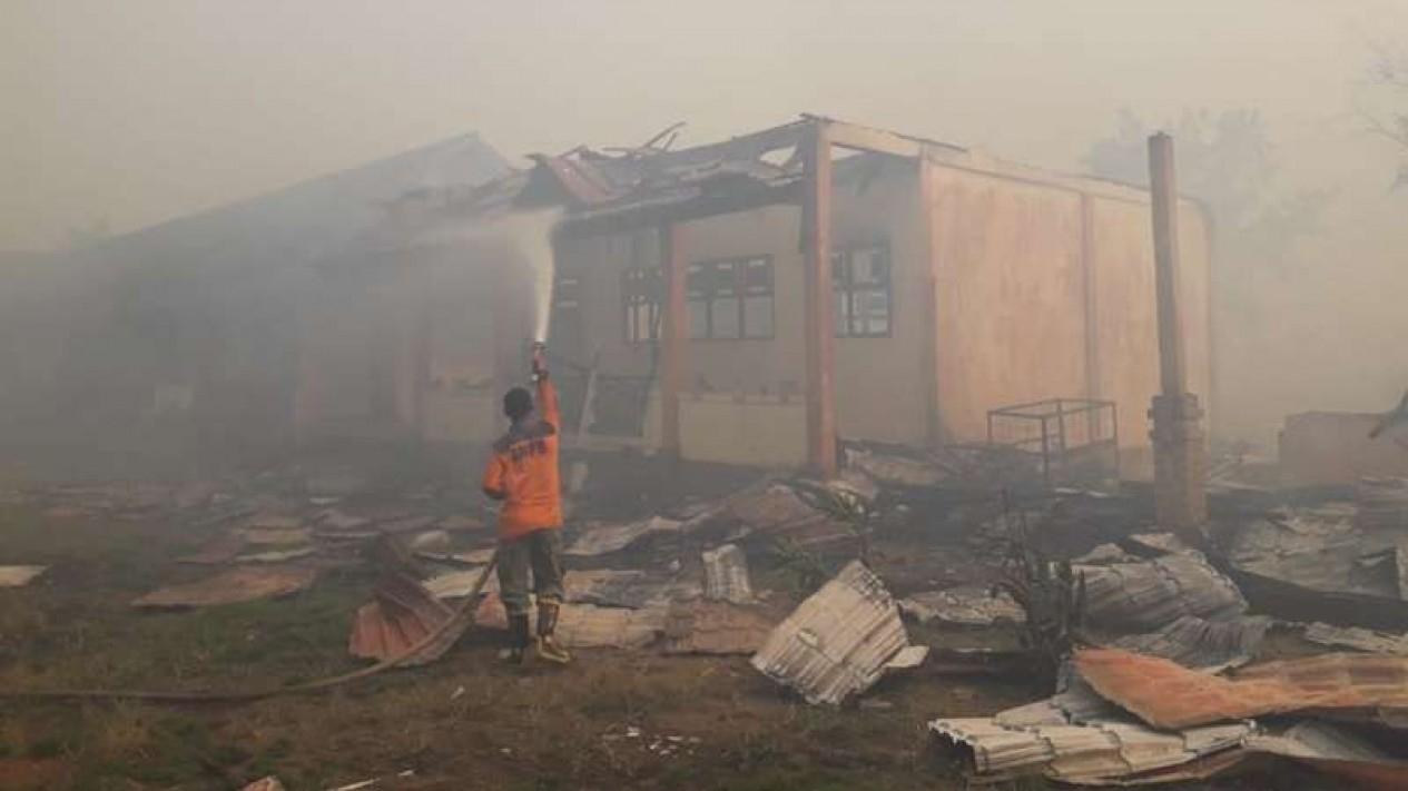 SMKN 1 Kubu Raya, Kalimantan Barat terbakar
