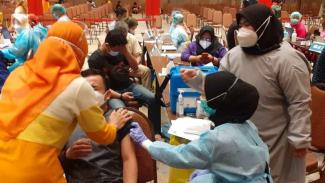 Vaksinasi COVID-19 pedagang pasar Kota Tangerang