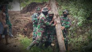 VIVA Militer: Prajurit TNI Kodim 0822/Bondowoso.