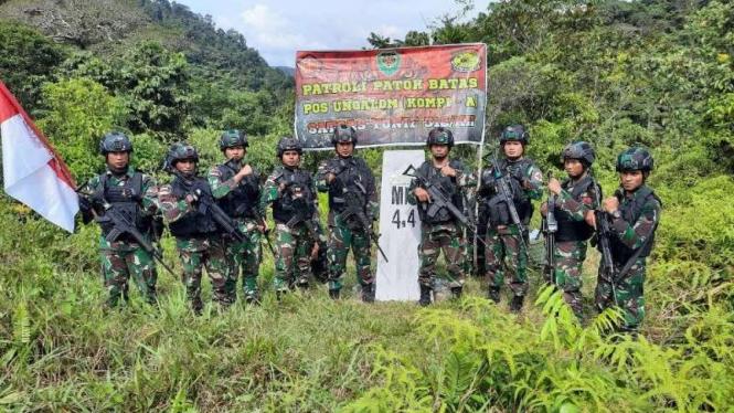 VIVA Militer: Anggota Satgas Pamtas Yonif 312/Kala Hitam