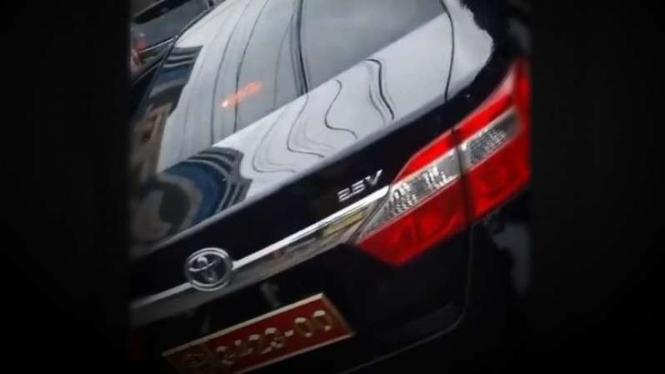 VIVA Militer: Mobil pelat dinas TNI Bodong.