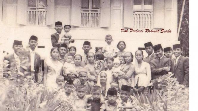 Keluarga Besar Bugis Makassar (foto dok Nur Terbit)