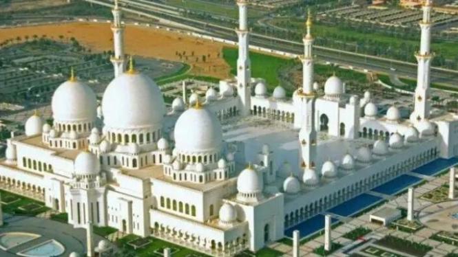 Sheikh Zayed Mosque di Abu Dhabi, Uni Emirat Arab (UEA)