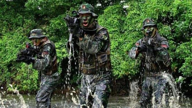 VIVA Militer: Anggota Raider Komando Cadangan Stratehis Angkatan Darat (Kostrad)