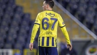 Gelandang Fenerbahce, Mesut Oezil.