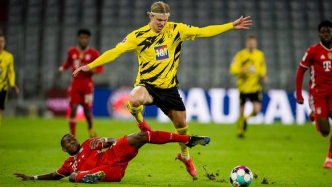 Erling Braut Haaland dalam pertandingan Borussia Dortmund melawan Bayern Munich