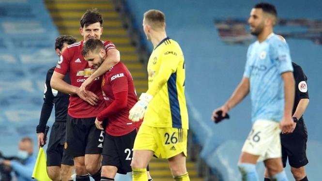 Manchester United hancurkan Manchester City