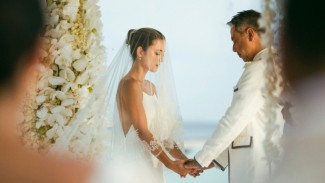 Pernikahan Julie Estelle.
