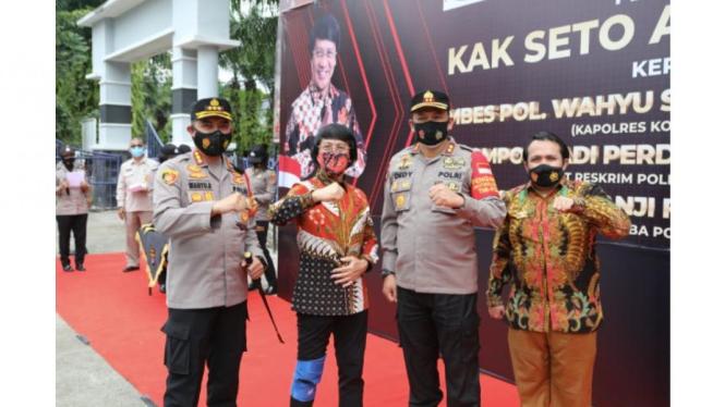 Foto Kapolresta Tangerang Kombes Pol Wahyu Bintoro Bersama Kak Seto