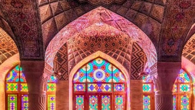 Masjid Pink Iran