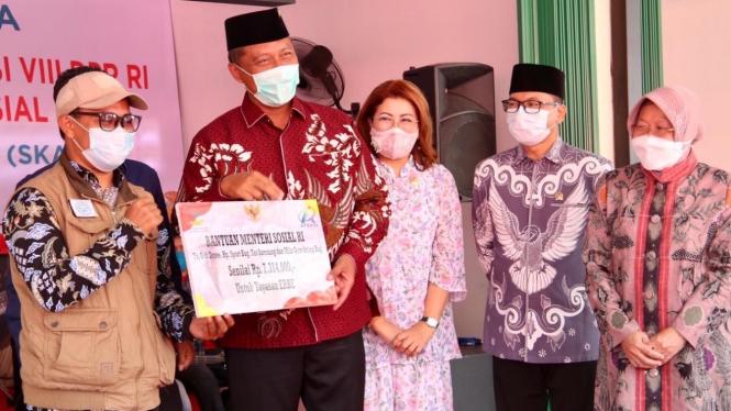 Menteri Sosial Tri Rismaharini, Selasa (09/03).