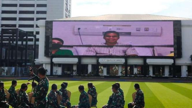 VIVA Militer: Jenderal TNI Andika hadirkan Serda Manganang melalui VC