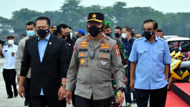 Kakorlantas Polri, Irjen Pol Istiono bertemu dengan Ketum IMI, Bambang Soesatyo.