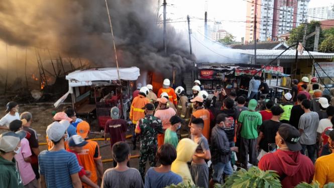Kebakaran di jalan Dakota Raya, Kemayoran, Jakarta Pusat